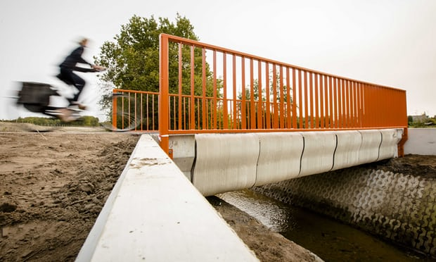 Первый в мире напечатанный мост появился в Голландии