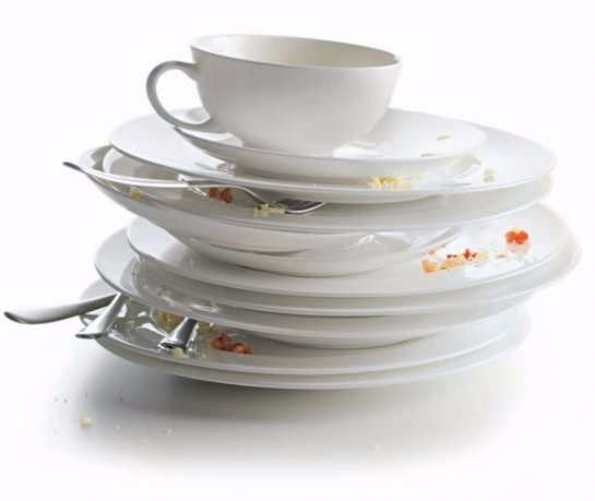 Эксперты: мытьё посуды помогает похудеть
