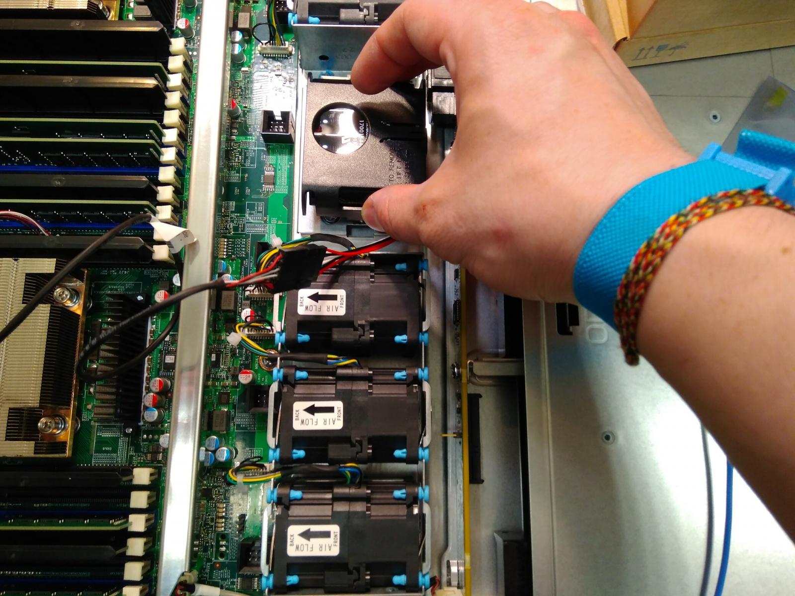 Покупка современного сервера Intel c NVMe P4800X - 22