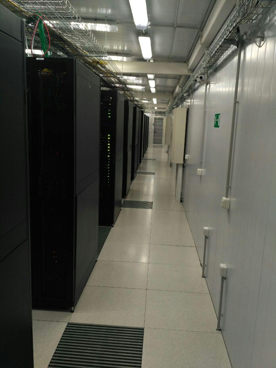 Покупка современного сервера Intel c NVMe P4800X - 33