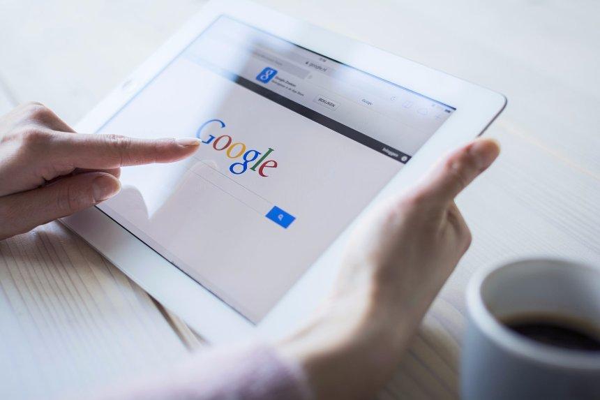 Партнеры Google буду проверять факты с целью борьбы с поддельными новостями