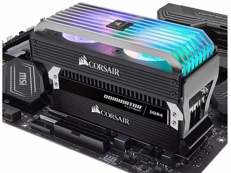 Конструкция системы охлаждения для модулей памяти Dominator Airflow Platinum Fan включает два вентилятора