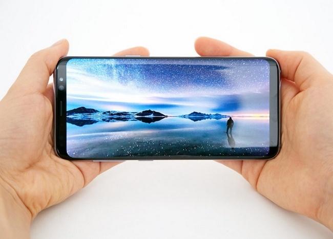 Samsung выпустит смартфон с экраном Infinity Display диагональю менее 5 дюймов