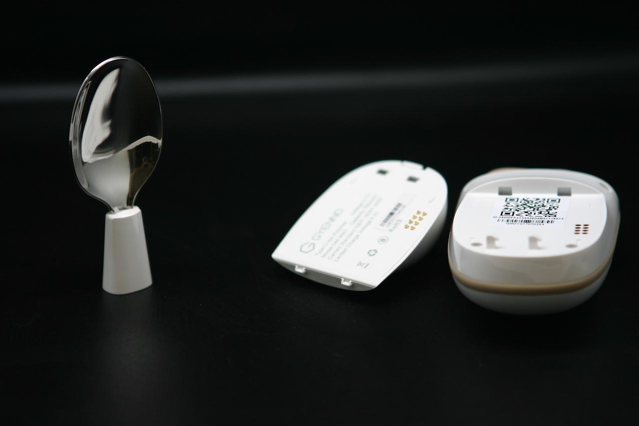 #Умная посуда: ложка для страдающих болезнью Паркинсона Gyenno Spoon - 4