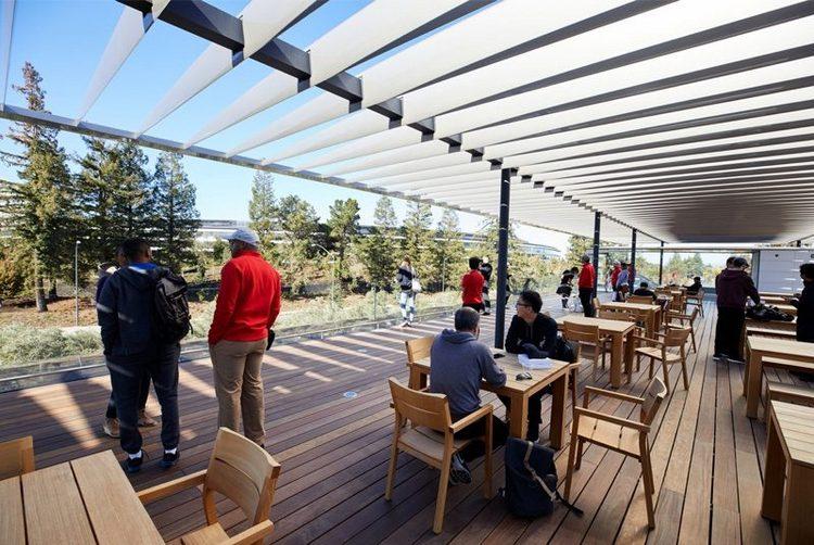 Apple открыла центр для посетителей в своей новой штаб-квартире