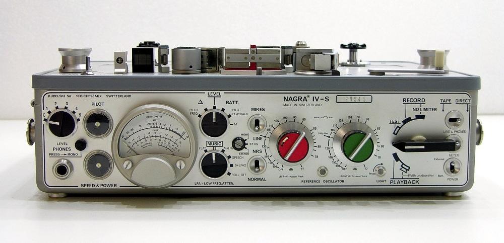 """Дизайн и звук: классика модерна, британский ответ Японии, кассетник """"космической эры"""" и брутальные швейцарцы - 10"""