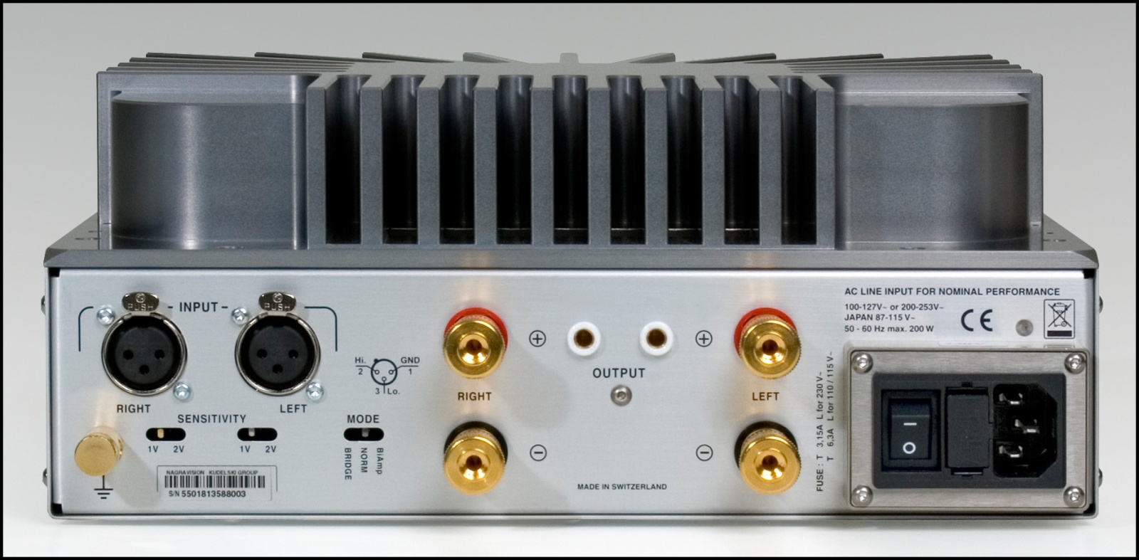 """Дизайн и звук: классика модерна, британский ответ Японии, кассетник """"космической эры"""" и брутальные швейцарцы - 11"""
