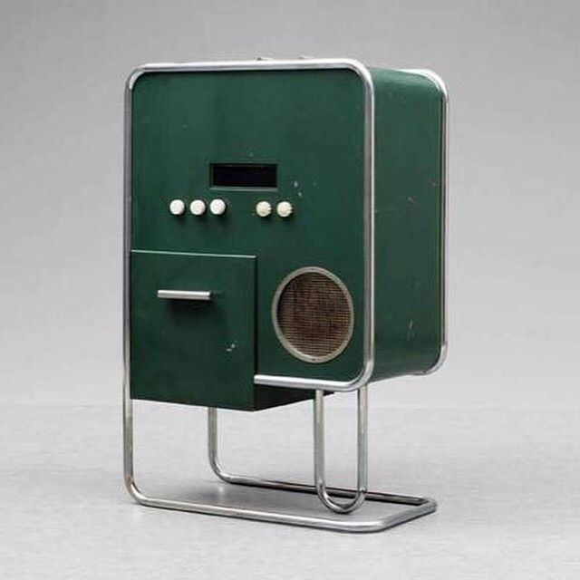 """Дизайн и звук: классика модерна, британский ответ Японии, кассетник """"космической эры"""" и брутальные швейцарцы - 2"""
