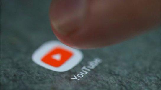 Крупные фирмы приостановливают рекламу на YouTube