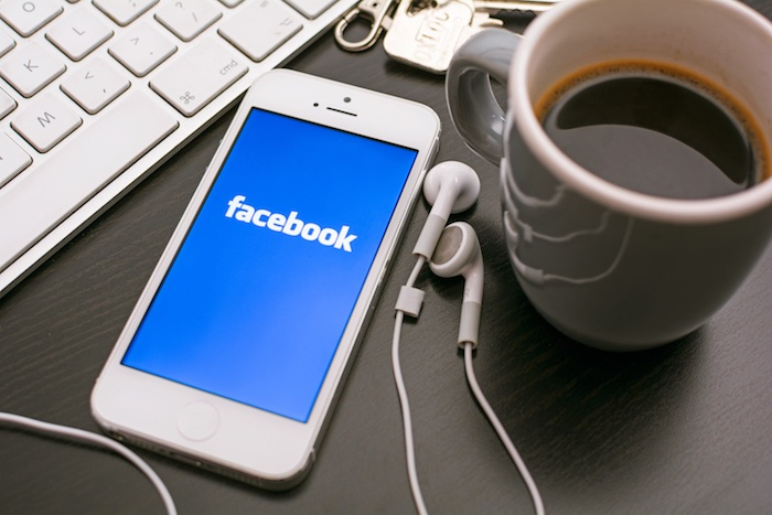 Facebook слишком огромен чтобы управлять самим собой - 1