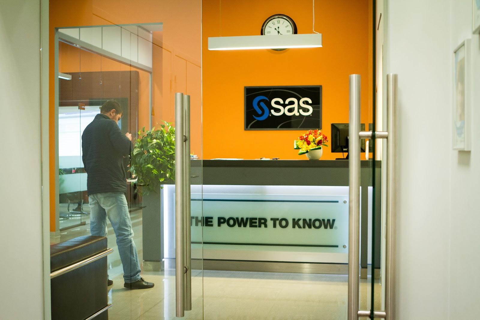 SAS: мы анализировали данные и обучали модели задолго до того, как это стало модным - 3