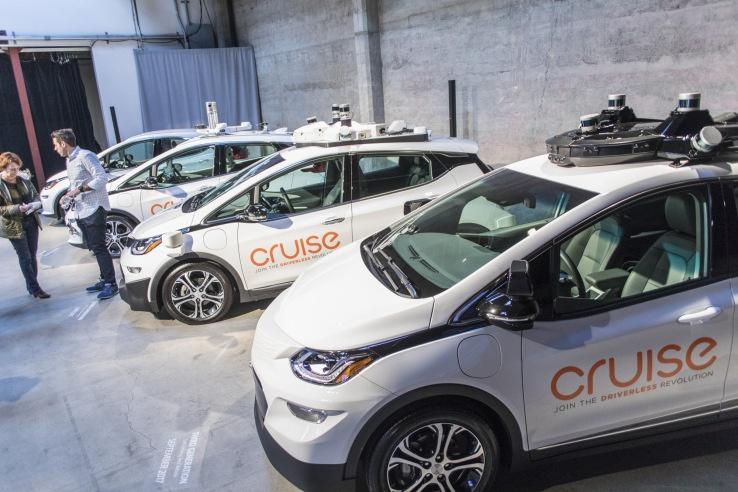 Criuse не хочет испытывать беспилотные авто с водителями за рулём