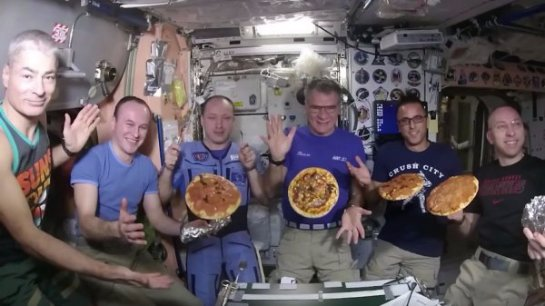 На борту МКС смогли приготовить настоящую пиццу