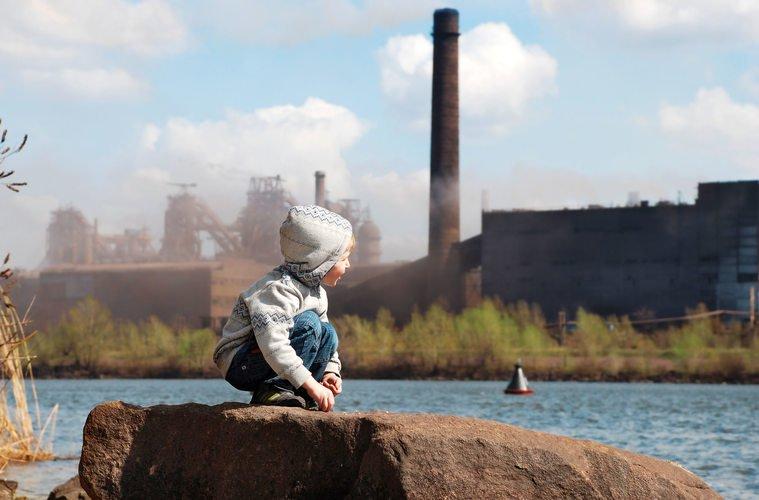 Unicef: мозг младенцев повреждаеться загрязнениями