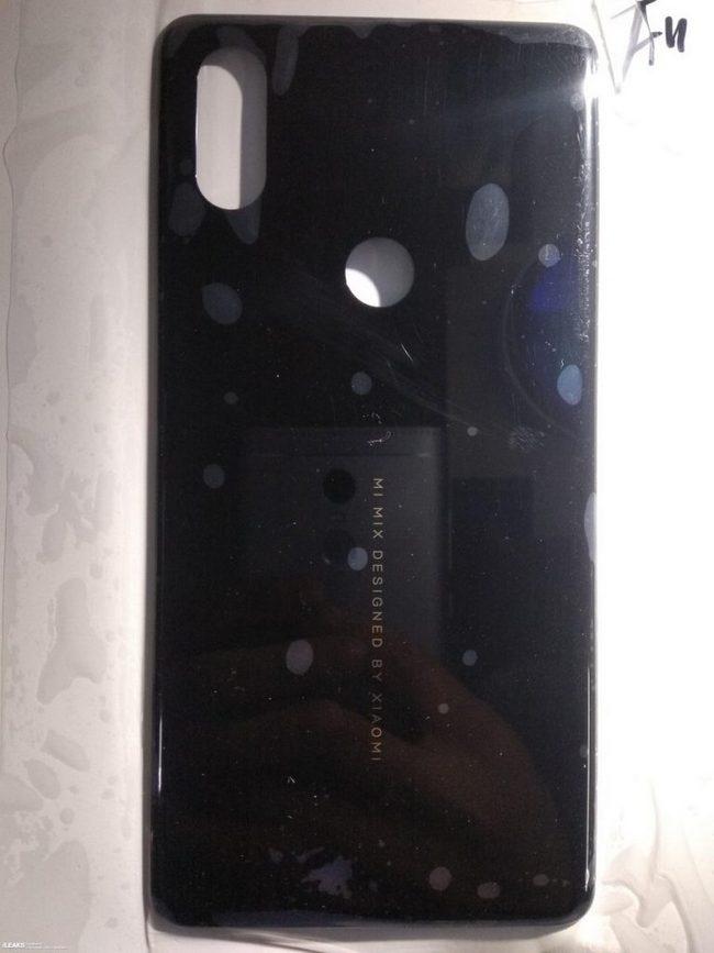 Опубликована фотография задней панели смартфона Xiaomi Mi Mix 3