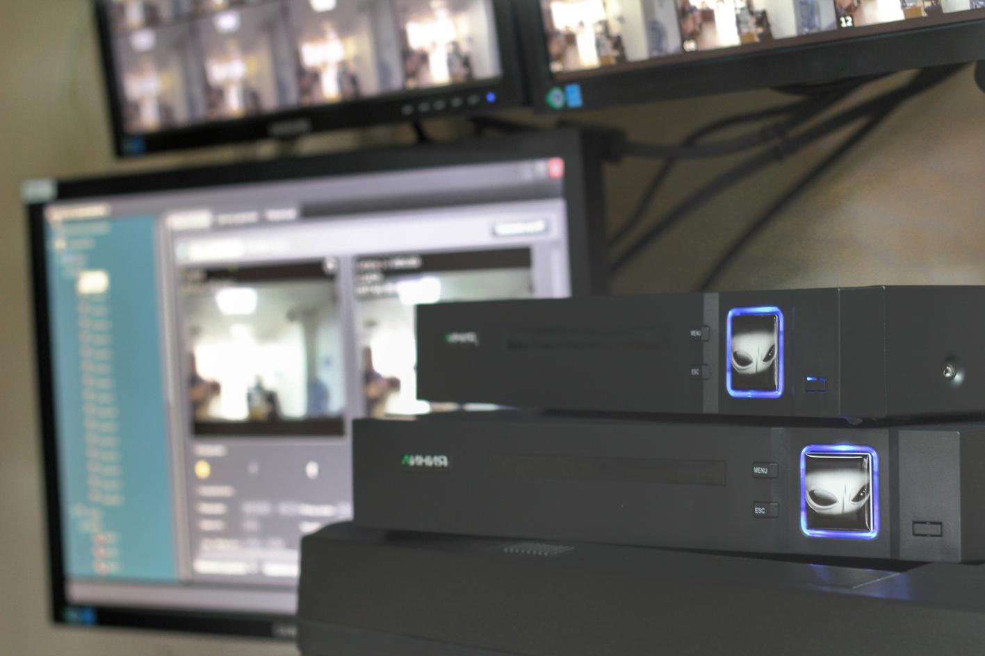 Обзор мультиформатного видеорегистратора «Линия XVR» - 1