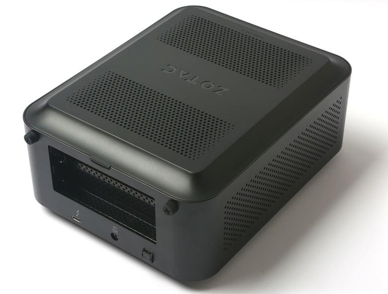 В оснащение шасси Zotac Amp Box и Amp Box Mini входят порты USB 3.0