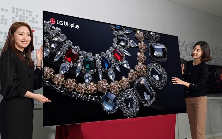 По размеру и разрешению ему нет равных среди дисплеев OLED