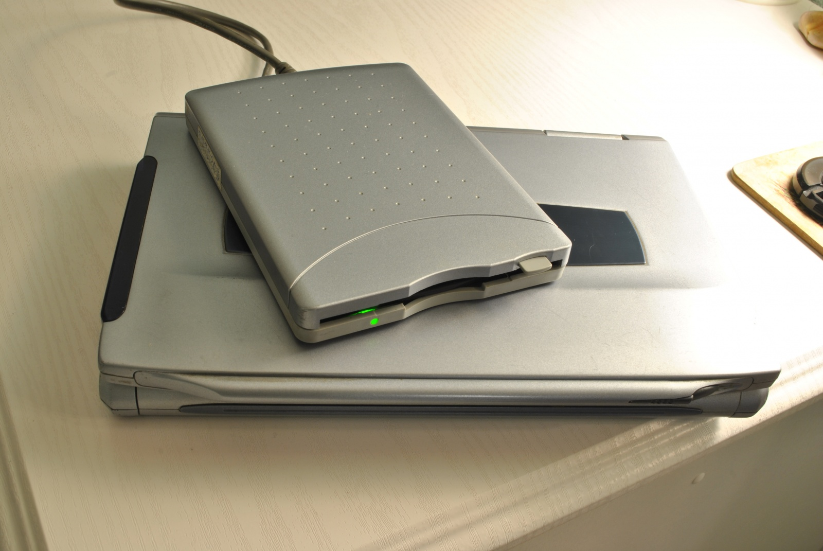Ультрабук начала 2000-х – обзор Fujitsu LifeBook P-1032 - 2
