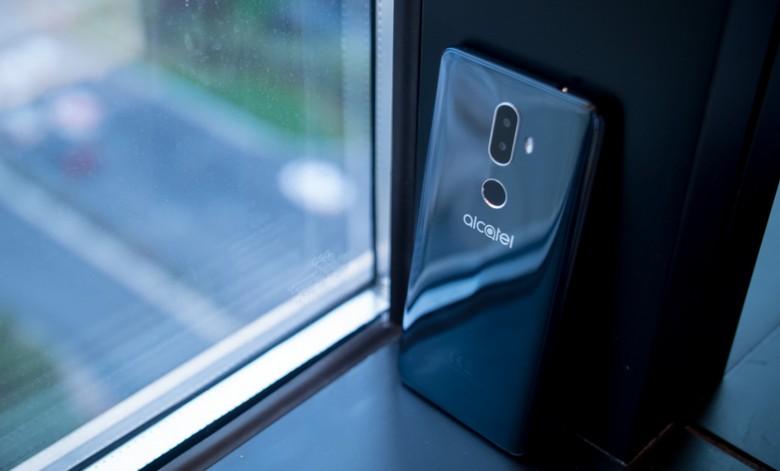Alcatel показала новую линейку недорогих смартфонов