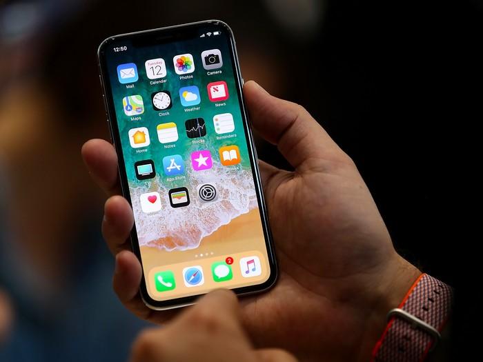 Производители OLED намереваются составить конкуренцию Samsung, сражаясь за заказы дисплеев для iPhone
