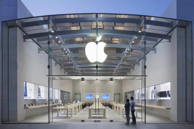 Apple открывает первый фирменный магазин на родине главного конкурента