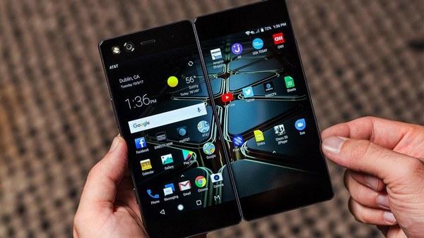 Складной смартфон ZTE Axon M выпустят в Европе в первом квартале 2018