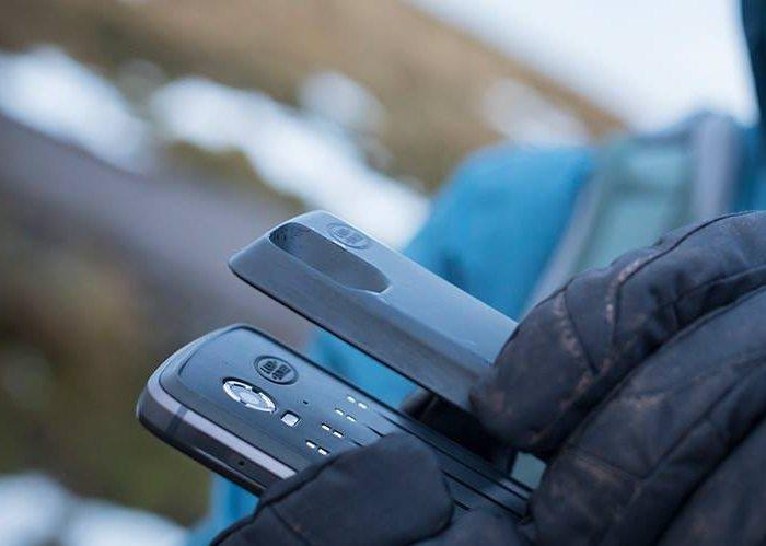 Представлен модульный защищенный смартфон Land Rover Explore