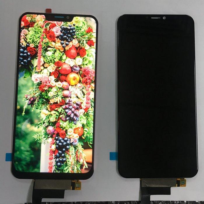 Экран смартфона Doogee V, который напоминает iPhone X, запечатлен на официальной фотографии