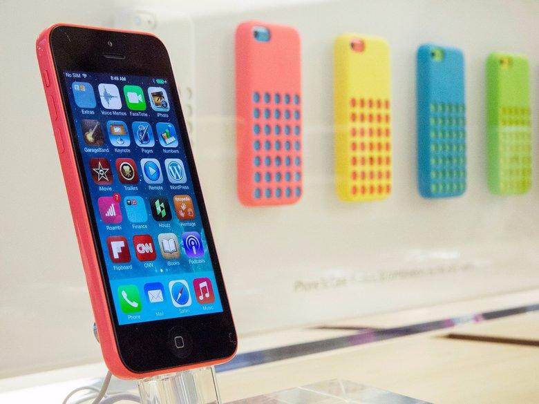 У Apple закончились iPhone 5c с 16 ГБ памяти для замены