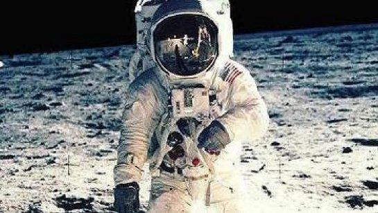 В 2018 году индийская компания организует полет на Луну