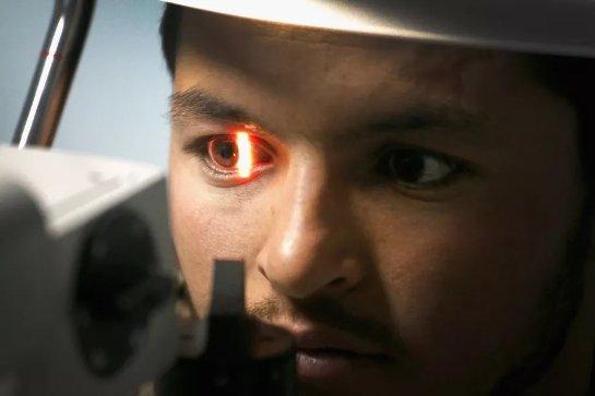 Новый алгоритм предсказывает болезнь сердца по глазам