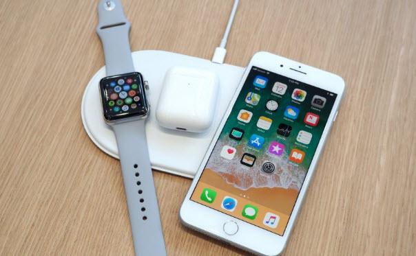 Беспроводное зарядное устройство Apple AirPower Wireless Charging Mat должно поступить в продажу в марте