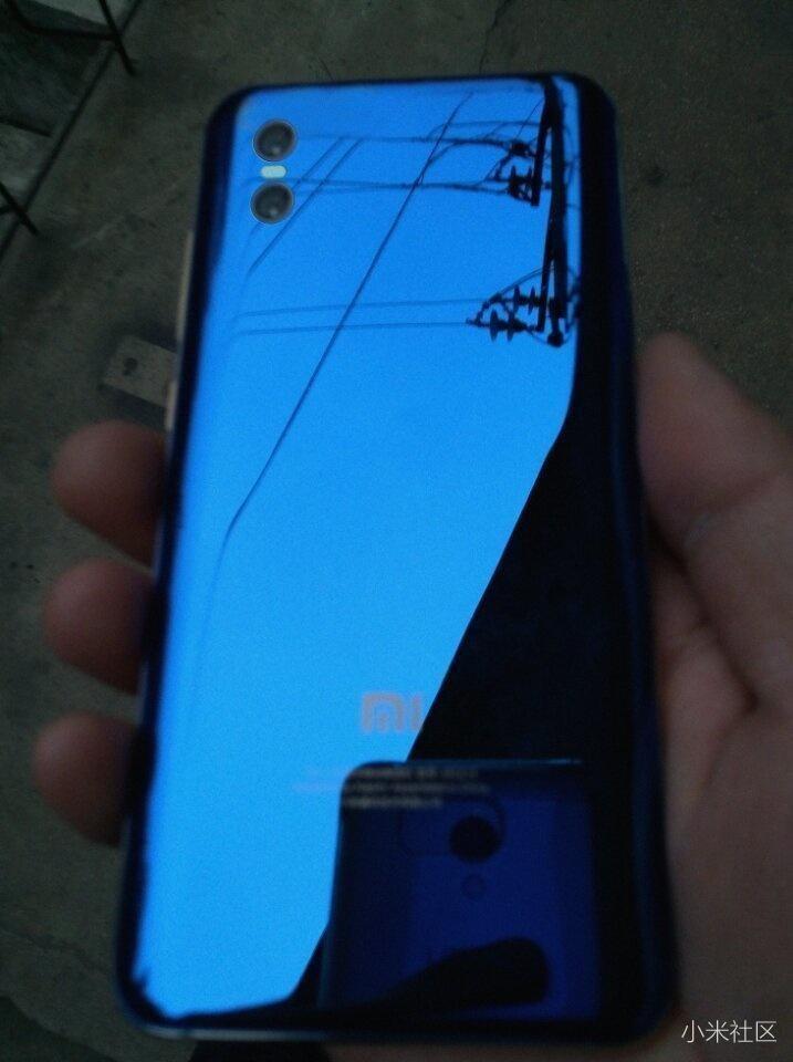 Опубликована первая фотография смартфона Xiaomi Mi 7