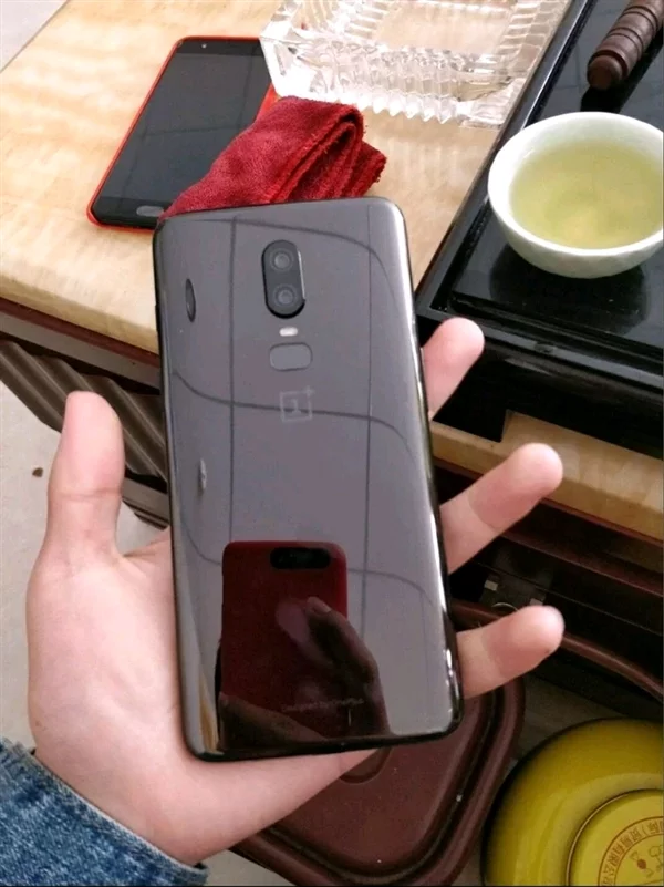 Опубликованы первые фотографии нового флагмана OnePlus