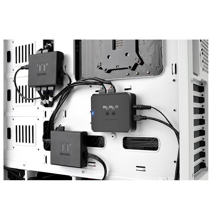 В первую очередь, концентратор Thermaltake H200 предназначен для систем подсветки
