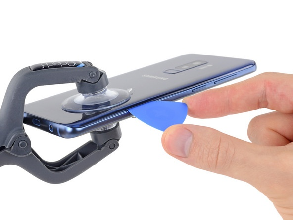 Специалисты iFixit поставили смартфону Samsung Galaxy S9+ четыре балла за ремонтопригодность