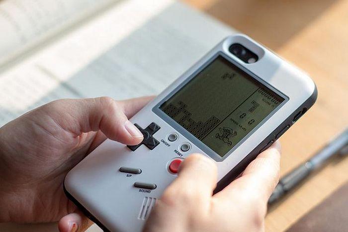 Wanle предлагает чехол для iPhone со встроенной портативной консолью Game Boy - 2