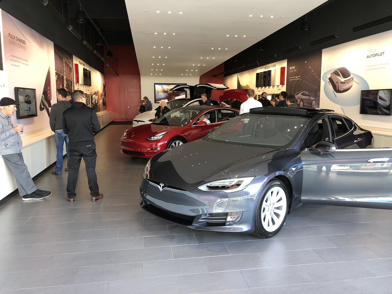 Знакомство с Tesla Model 3 - 10