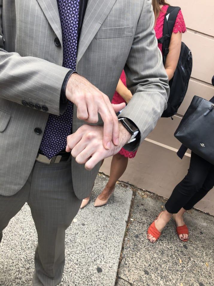 Биохакера с имплантированным проездным оштрафовали за безбилетный проезд - 2