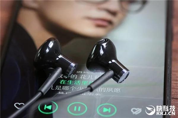 Наушники Xiaomi Dual-Unit Half-Ear Headphones оценены в $10
