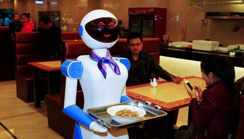 «Приятного аппетита, землянин». Рестораны, где вас накормят роботы - 4