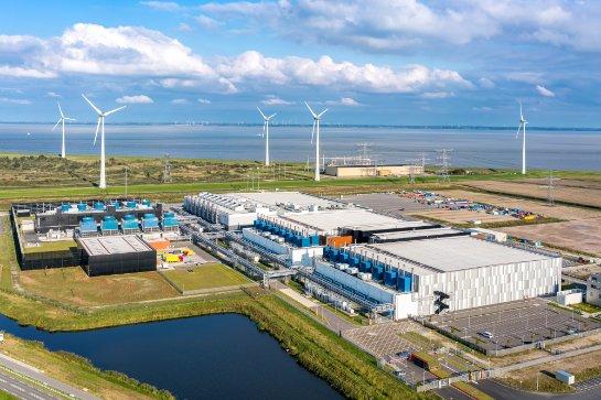 Google использует ветер и солнечную энергию, чтобы компенсировать затраты електроэнергии
