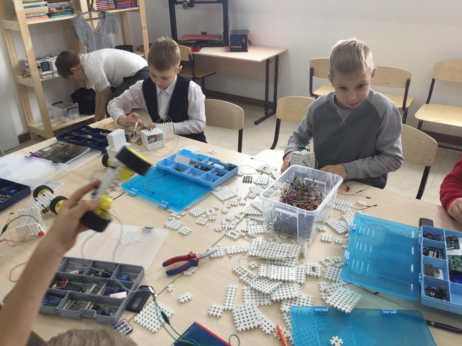 Как мы открывали детский центр робототехники в небольшом городке - 4