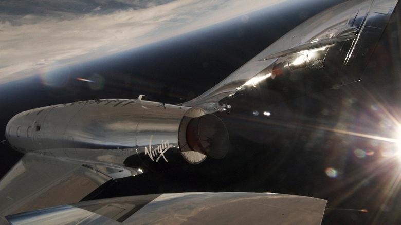 Суборбитальный космический корабль SpaceShipTwo совершил свой первый полноценный тестовый полёт после крушения предшественника - 1