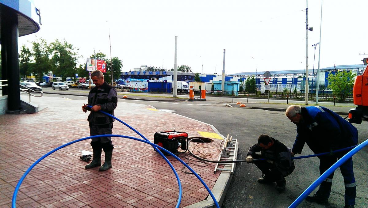 ФСБ начинает собирать данные об иностранных сотрудниках операторов связи - 1