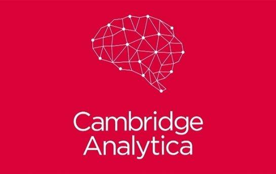 Cambridge Analytica может иметь доступ к частным сообщениям Facebook