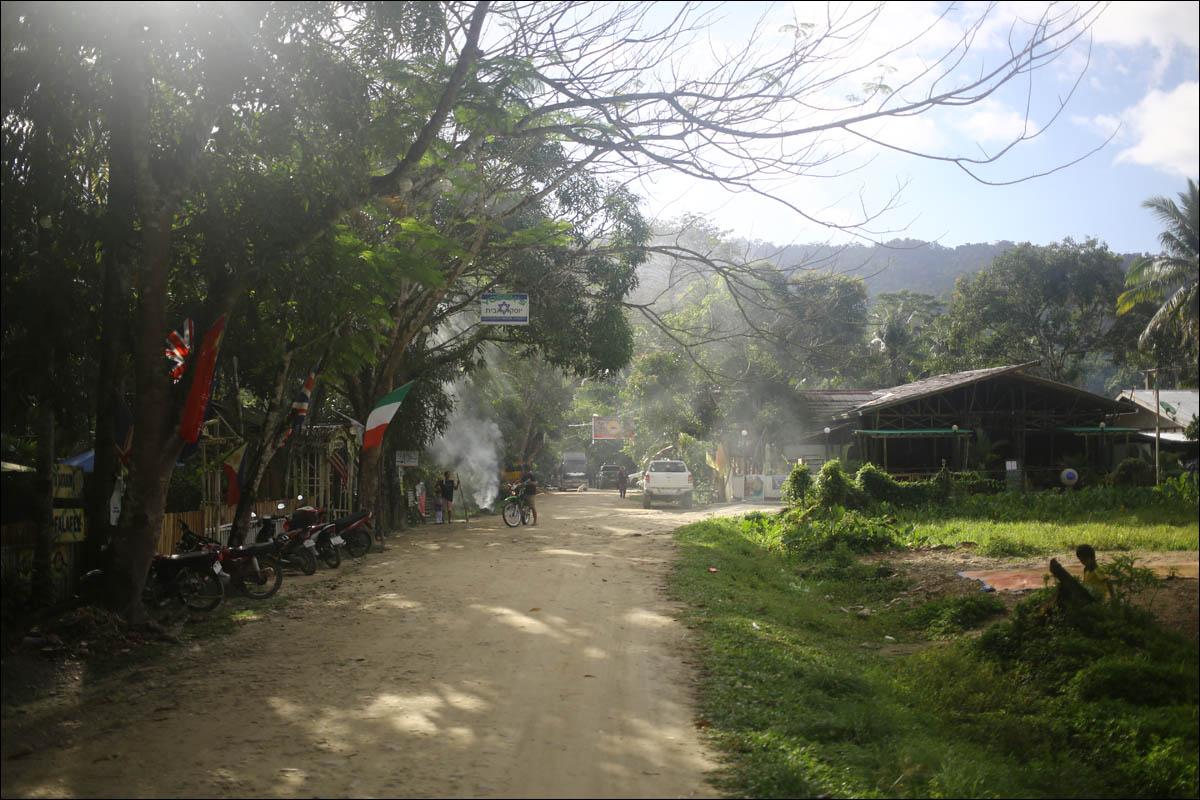 Филиппины: как на малых островах живут люди, которым не особо нужны современные технологии - 23