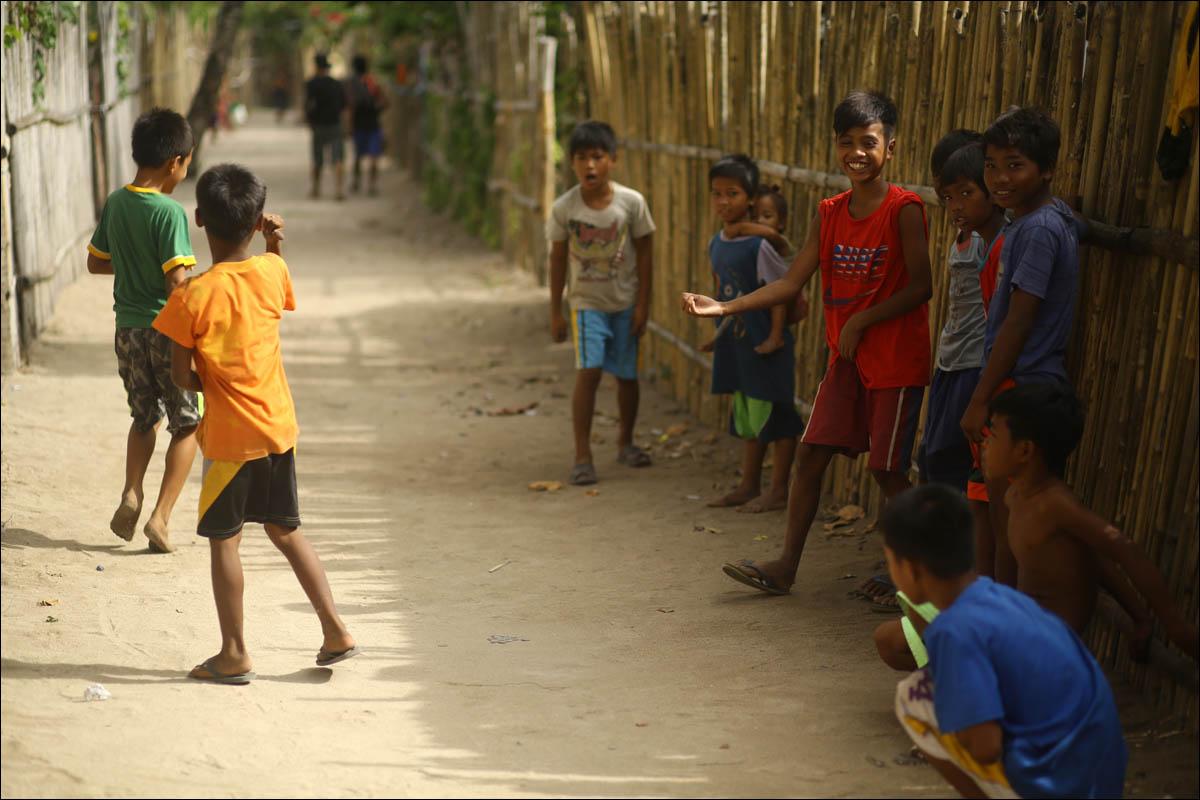 Филиппины: как на малых островах живут люди, которым не особо нужны современные технологии - 31