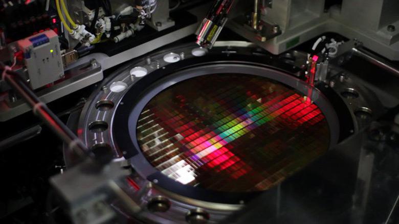 Ведущие производители флэш-памяти наращивают производственные мощности